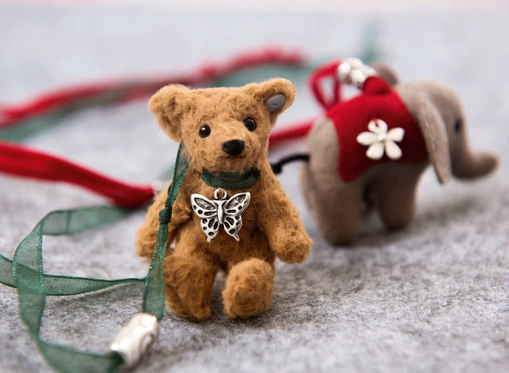Steiff Collections Classic Bears and Toys - Necklace - Little Bear and Little Elephant